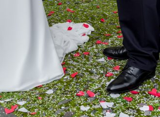 10 Wedding Traditions You Won't Believe Actually Exist