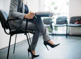 5 Ways to Stand Out When Job Hunting