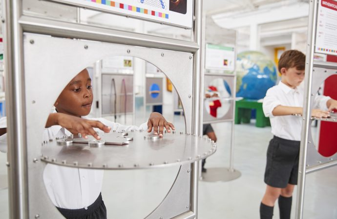 4 Best Ways to Get Your Child Interested in Science