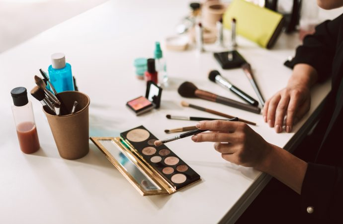 6 Harmful Make-Up Ingredients to Avoid