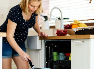Top 5 Types of Housework Pregnant Women Should Avoid